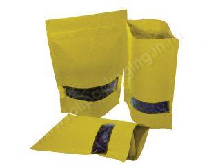กระเป๋ากระดาษลายลายเหลืองมีหน้าต่างสี่เหลี่ยมผืนผ้า