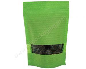 กระเป๋ากระดาษลายเขียวมีหน้าต่างสี่เหลี่ยมผืนผ้า